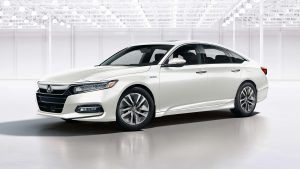 my18_Accord_Hybrid_exterior_gallery_05