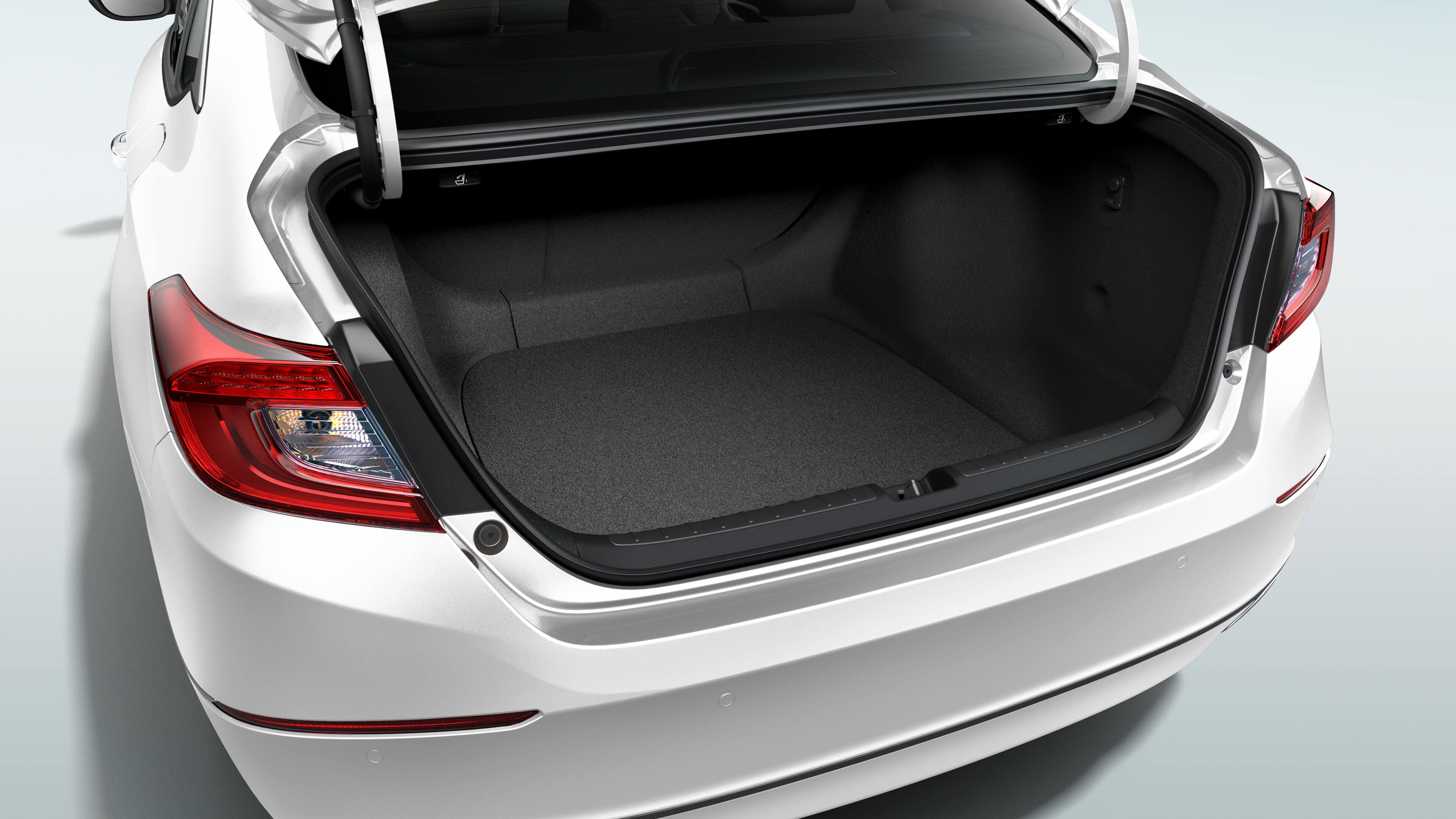 Trunk open of the Accord Hybrid